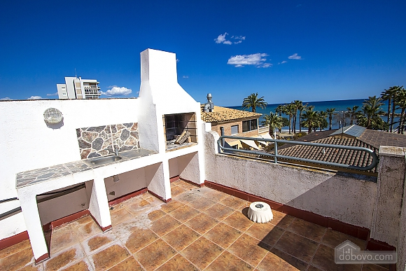 Alluring villa in Cambrils just steps away from the beaches of Costa Dorada, Vierzimmerwohnung (66386), 007