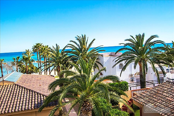 Alluring villa in Cambrils just steps away from the beaches of Costa Dorada, Vierzimmerwohnung (66386), 009