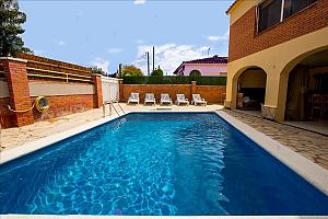 Чудова вілла в Рода-де-Бара для 8 гостей недалеко від пляжів Коста-Дорада, 4-кімнатна, 002