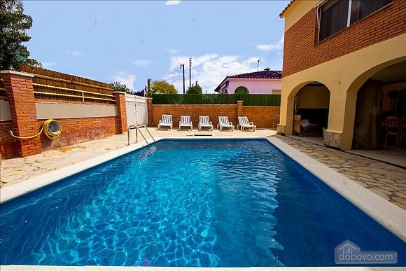 Awe-inspiring villa in Roda de Bara for 8 just a short distance of  the beaches of Costa Dorada, Trois chambres (45662), 002