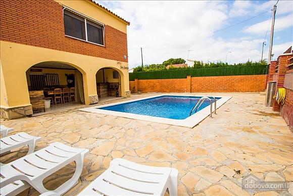 Awe-inspiring villa in Roda de Bara for 8 just a short distance of  the beaches of Costa Dorada, Trois chambres (45662), 003