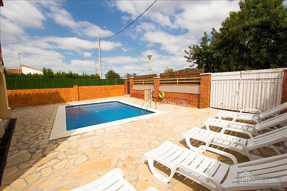 Awe-inspiring villa in Roda de Bara for 8 just a short distance of  the beaches of Costa Dorada, Trois chambres (45662), 004