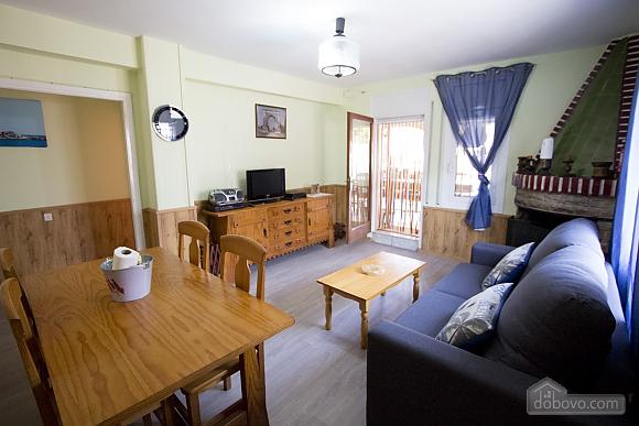 Awe-inspiring villa in Roda de Bara for 8 just a short distance of  the beaches of Costa Dorada, Trois chambres (45662), 011