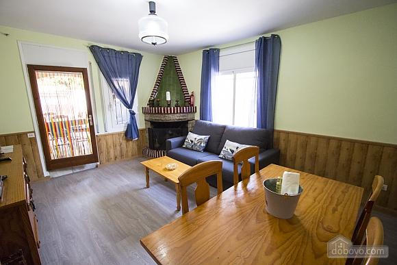 Awe-inspiring villa in Roda de Bara for 8 just a short distance of  the beaches of Costa Dorada, Trois chambres (45662), 012