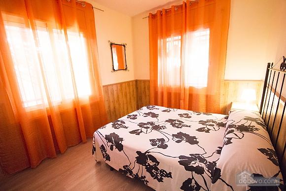 Awe-inspiring villa in Roda de Bara for 8 just a short distance of  the beaches of Costa Dorada, Trois chambres (45662), 013