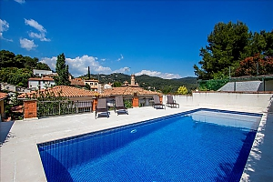 Mountainside Sant Feliu villa for 8 guests 35km from Barcelona, Three Bedroom, 001