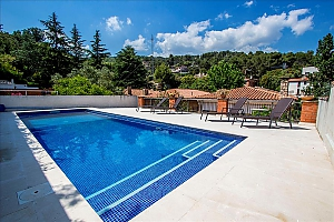 Mountainside Sant Feliu villa for 8 guests 35km from Barcelona, Three Bedroom, 002