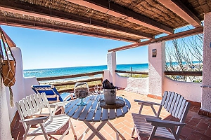 Glorious oceanfront house for 10 guests overlooking the beaches of Costa Dorada, Fünfzimmerwohnung, 001