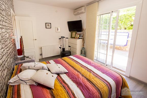 German Vendrell, Three Bedroom (91210), 036