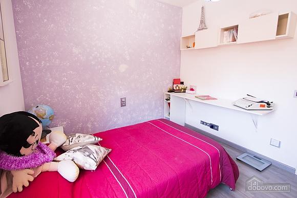German Vendrell, Three Bedroom (91210), 041