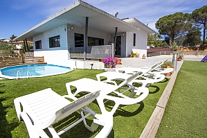Lovely villa in the resort of Les Comes only 15 min from Costa Brava beaches, Fünfzimmerwohnung, 001