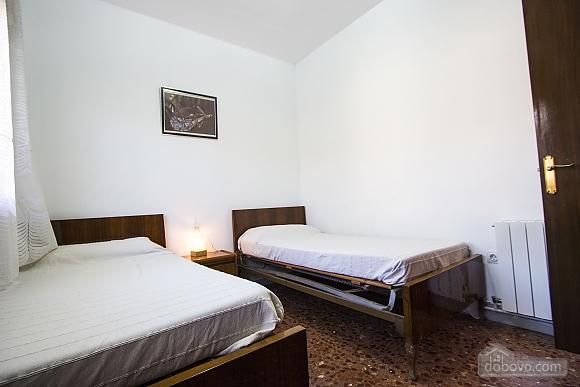 Arbrells, Trois chambres (80141), 025