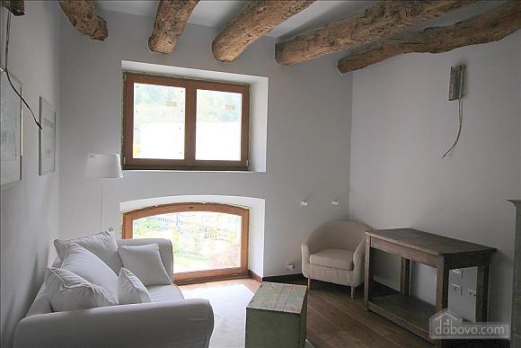Luccio, Un chambre (35324), 001