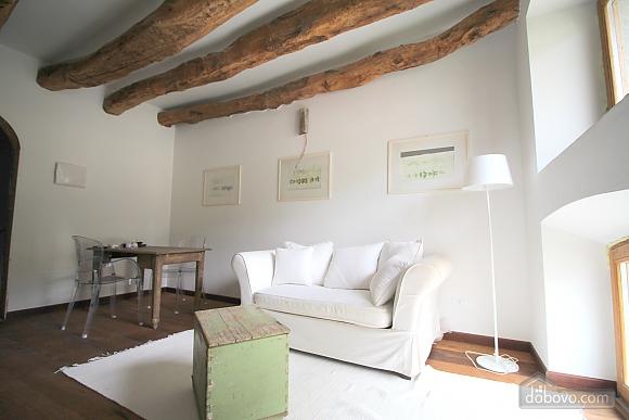 Luccio, Un chambre (35324), 006