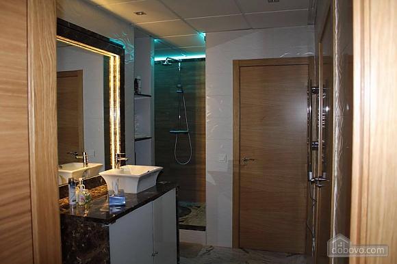 Апартаменты Авенида Рамон и Кахаль, 3х-комнатная (27871), 002