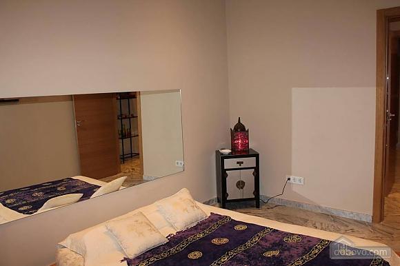 Апартаменты Авенида Рамон и Кахаль, 3х-комнатная (27871), 010