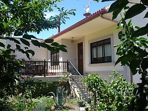 Уютный дом для отдыха на берегу Коста-да-Морте, 5ти-комнатная, 001