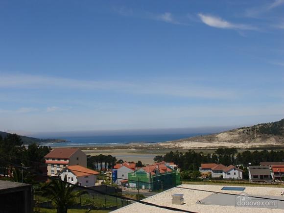 Cozy holiday home with sea views near the beach on Costa da Morte, Four Bedroom (16076), 003