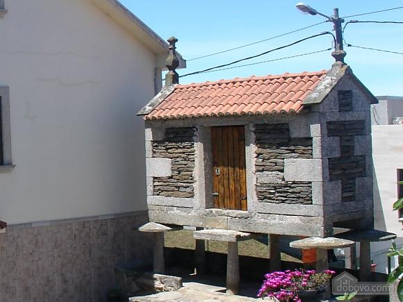 Cozy holiday home with sea views near the beach on Costa da Morte, Four Bedroom (16076), 005
