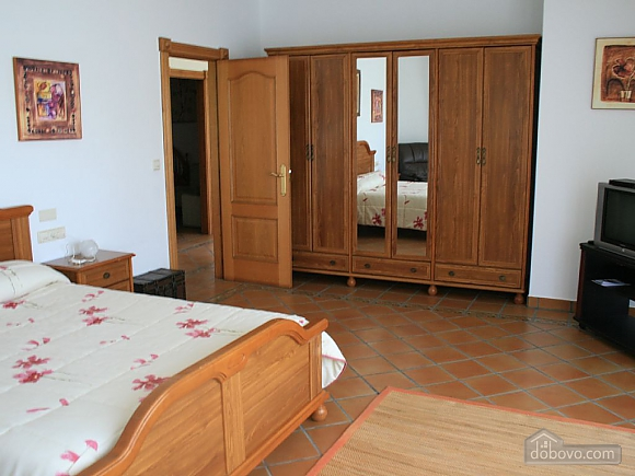Cozy beachfront villa with swimming pool and lovely views, Four Bedroom (11937), 009
