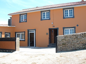 Cozy townhouse located in peaceful quiet village on Costa da Morte, Three Bedroom, 001
