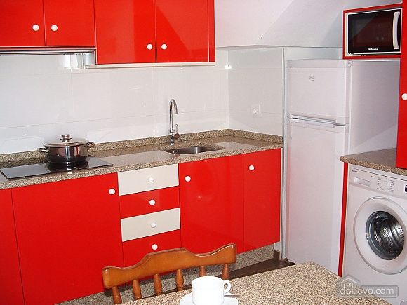 Cozy townhouse located in peaceful quiet village on Costa da Morte, Three Bedroom (99818), 009