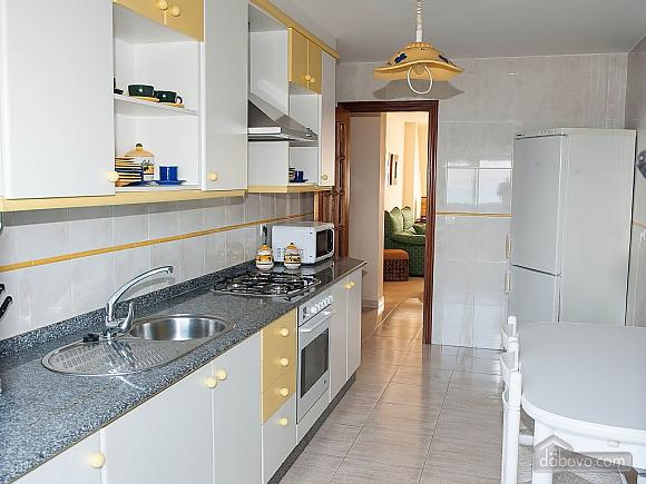 Lovely beachfront duplex on Isla de Arousa, Four Bedroom (14066), 003