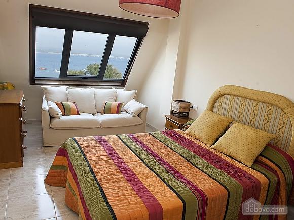 Lovely beachfront duplex on Isla de Arousa, Quattro Camere (14066), 011