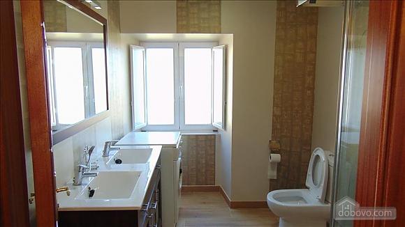 Прекрасный каменный дом в 700 м от пляжа, 6ти-комнатная (20814), 004