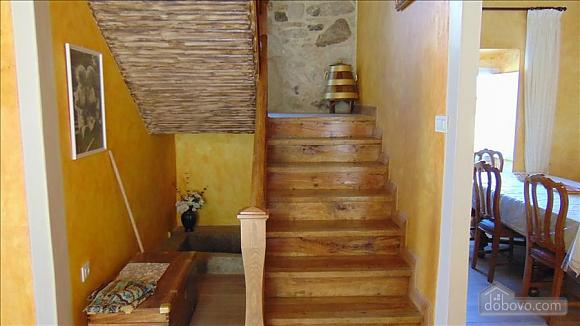 Прекрасный каменный дом в 700 м от пляжа, 6ти-комнатная (20814), 005