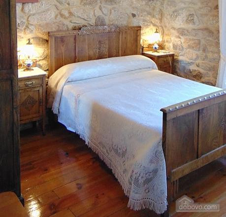 Прекрасный каменный дом в 700 м от пляжа, 6ти-комнатная (20814), 015