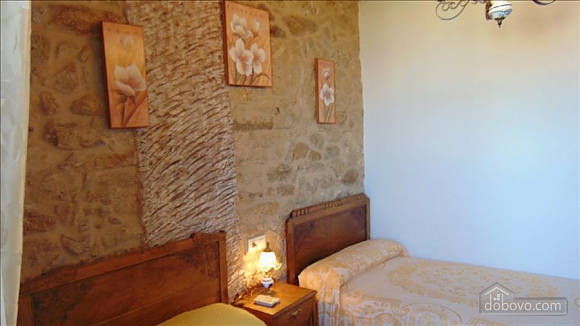 Lovely stone house just 700m from the beach, Cinq chambres (20814), 018
