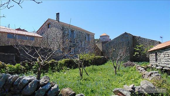 Прекрасный каменный дом в 700 м от пляжа, 6ти-комнатная (20814), 021