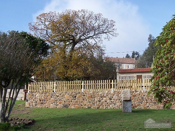 Lovely stone villa with swimming pool on Rias Baixas, Four Bedroom (42404), 006