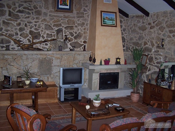 Lovely stone villa with swimming pool on Rias Baixas, Four Bedroom (42404), 009