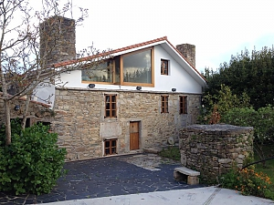 Lovely stone house near the coast with barbecue, Six (+) chambres, 001