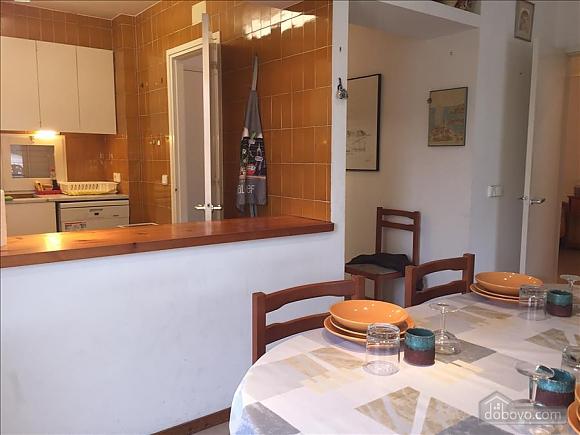 Casa Heretat, Due Camere (13230), 002