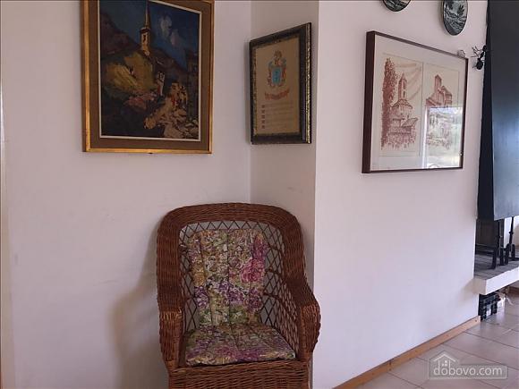 Casa Heretat, Due Camere (13230), 010