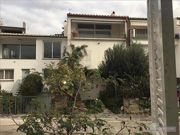 Casa Heretat, Due Camere (13230), 024