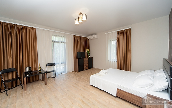 Отель Фьюжн номер Люкс с балконом, 1-комнатная (61336), 003