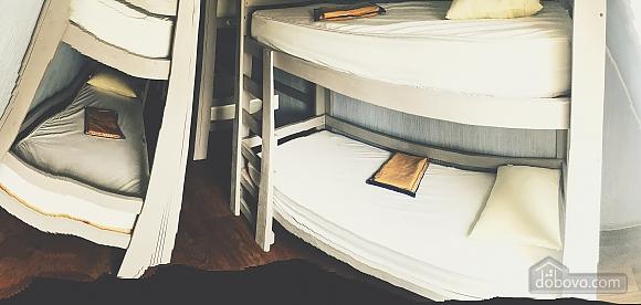 6-bed room in the hostel Darnitsya 1, Studio (75093), 001