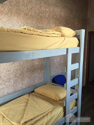 3 bed room in the hostel Darnitsya 1, Studio (28081), 002