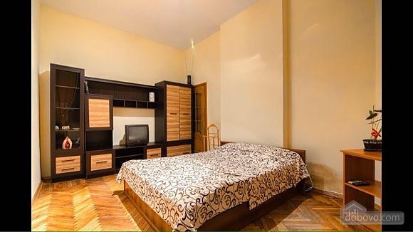 Квартира возле площади Рынок, 2х-комнатная (50422), 007