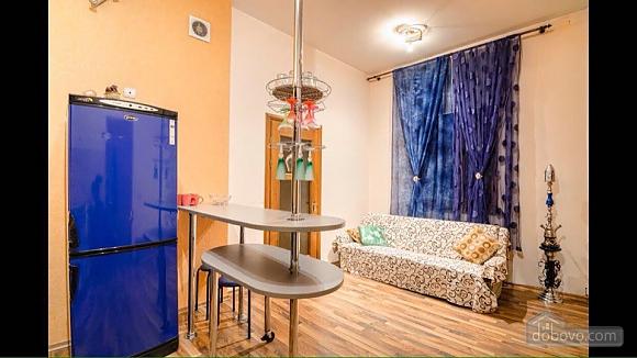 Квартира возле площади Рынок, 2х-комнатная (50422), 001