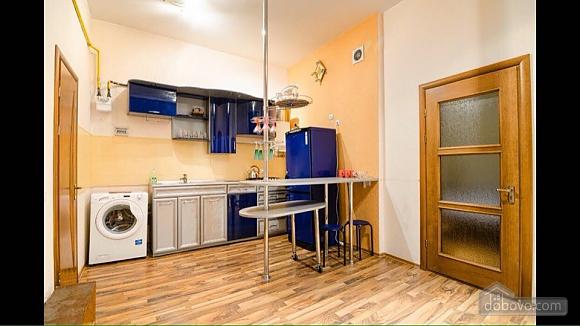 Квартира возле площади Рынок, 2х-комнатная (50422), 006