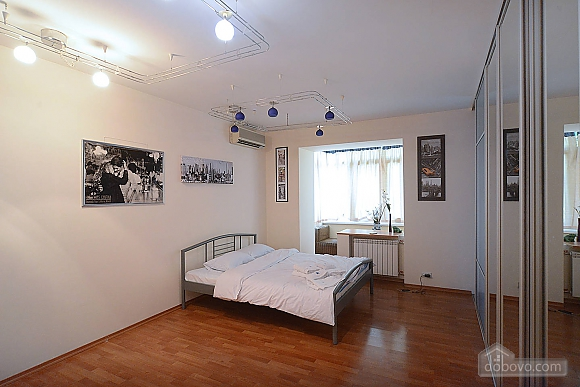 Spacious apartment in hi-tech style in the center of Kiev, Monolocale (93491), 003