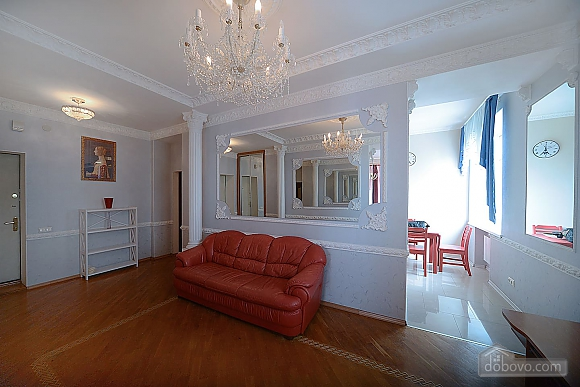 Designer spacious European apartment in the center of Kiev, One Bedroom (94637), 002