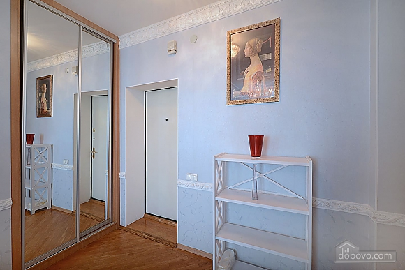 Designer spacious European apartment in the center of Kiev, One Bedroom (94637), 011