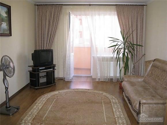 Квартира Ильичевск, 2х-комнатная (86218), 001
