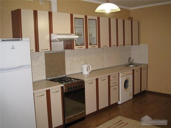 Квартира Ильичевск, 2х-комнатная (86218), 002